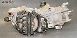 De 80 cc RIMOTU stond model voor de 125 er. Carters en lay-out zijn identiek met een droge koppeling en ontsteking in ieder geval aan de rechterkant. Alleen de cilinder stond onder een kleine hoek.