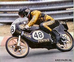 Spa '79; Een gedeeltelijk nieuw wegdek op het circuit van Francorchamps leverde veel problemen op en een aantal toprijders besloot om niet van start te gaan; Een ideale gelegenheid dus om een onverwacht goed resultaat te scoren voor degenen die zich niet door het glibberige asfalt lieten afschrikken. Henk van Kessel op de X16 (ex van Exel/ won de race met een voorsprong van 20 seconden op Theo Timmer/Bultaco; Bij alle kommer en kwel voor de toeschouwers toch een meevaller dus voor de Nederlandse fans.