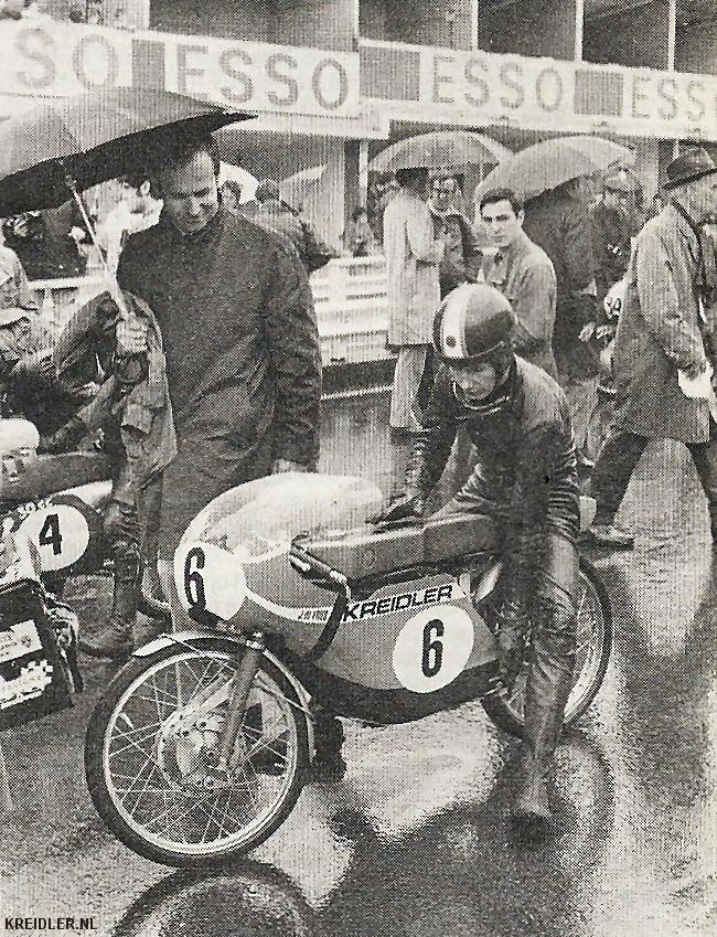 Aan de start in Francorchamps 1970 in de regen.