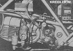 Het nu nog luchtgekoelde motorblok van de Roton. Duidelijk zichtbaar is de elektronische ontsteking met de magnetische pick-up.