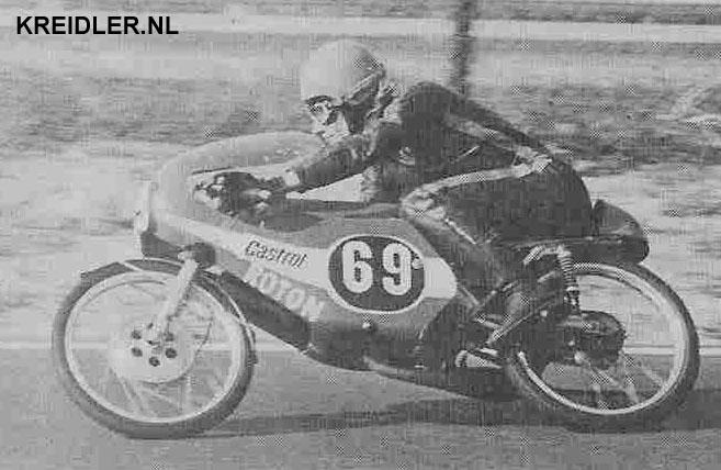 Het opkomende talent van Roton, Joop Zwetsloot, kampioen in de 50 cc nationaal.