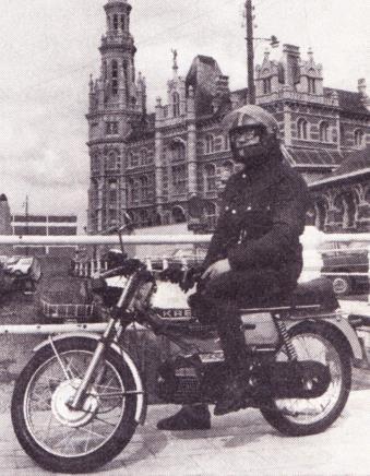 Zowel op de buitenweg als in het Antwerpse stadsverkeer bleek de Kreidler een snel, handig en handelbaar fietsje