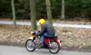 Movie of Lars riding his Kreidler!