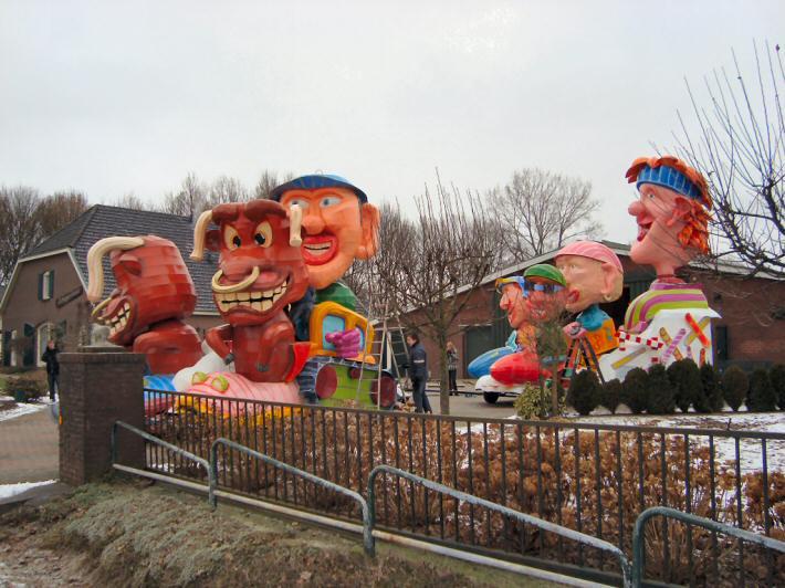 Ook leuk, iets moois bouwen met de carnavalgroep