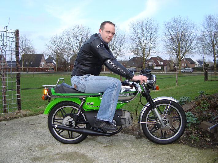 Ries op zijn groene RS-GS, foto maart 2010