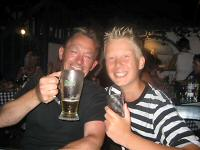 Bé (RS3001) - Kreidlerclublid augustus 2009 - Lekker biertje