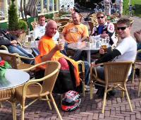 Pascal (nozems) - Kreidlerclublid september 2008 - Op een terrasje met Kreidlervrienden.