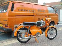 Alles in het oranje, de Kreidler Service Dienst Bus en de RS